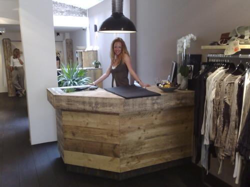 Winkel inrichting Moscow in Amsterdam. - Meubelmakerij Melle